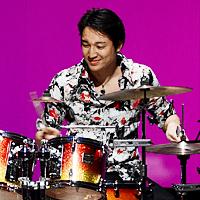 佐藤 由 ドラム&パーカッション